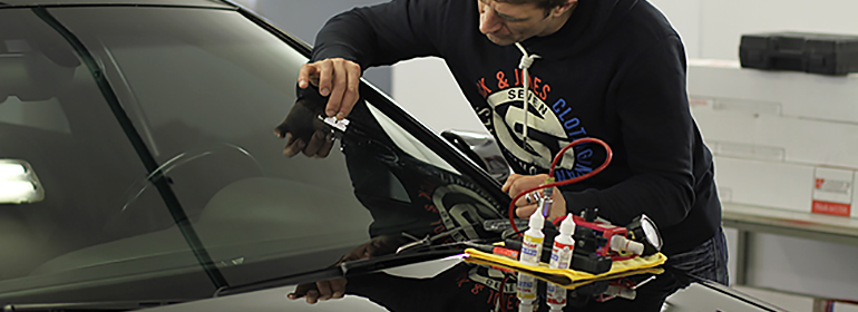 Снятие излишков восстановительного полимера лезвием